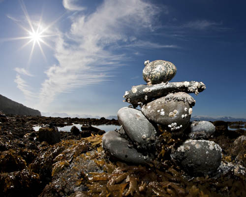 Inukshuk (Cairn) Photo: Larry Maurer, Shutterstock